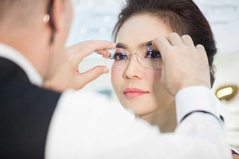 เทคนิคการเลือกซื้อกรอบแว่นตา เพื่อคุณภาพการมองเห็นในระดับสูงสุด และใส่สบาย
