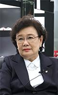 Ms. Veera Pardpattanapanich