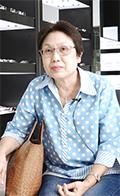 安蓬 : 汶亚唷坤女士