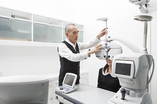 การตรวจวัดสายตาประกอบแว่นซุปเปอร์โปรเกรสซีฟ