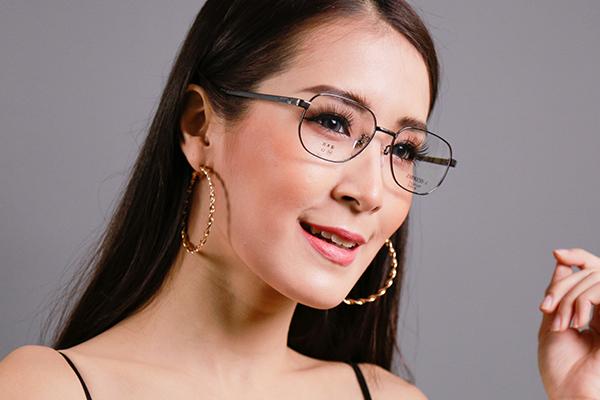 โปรโมชั่นกรอบแว่น EMPRESS.J พร้อมเลนส์แว่นตาโปรเกรสซีฟ ISOPTIK New Multi Pro 1.6