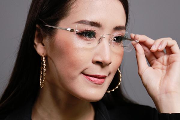 โปรโมชั่นกรอบแว่น Kazuo Kawasaki พร้อมเลนส์แว่นตาโปรเกรสซีฟ ISOPTIK New Multi Pro 1.6