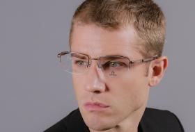 แพ็คเกจสุดคุ้ม 4.2 : แพ็คเกจแว่นตาไอซอพติกชั้นเดียว + กรอบแว่น RODENSTOCK